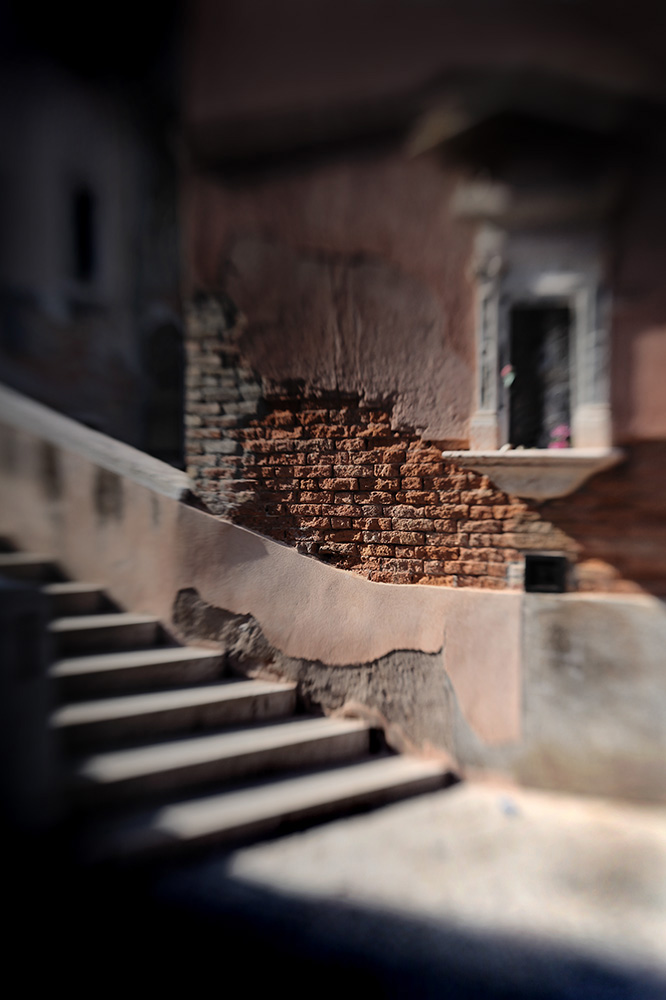 At_Venice_Altar_at_dawn_klein_bestand