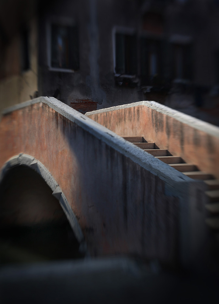 At_Venice_bridge_2258_eindversie_zonder_graffitti_klein_bestand