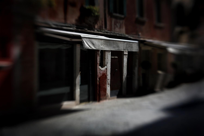Los__in_Europet_street_Venice