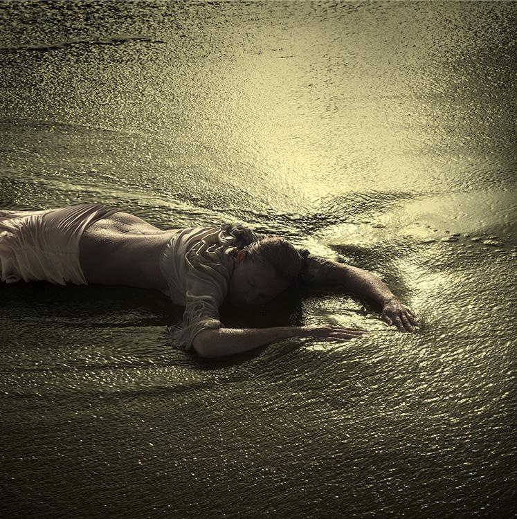 Sleeping_on_waves_vierkant_750